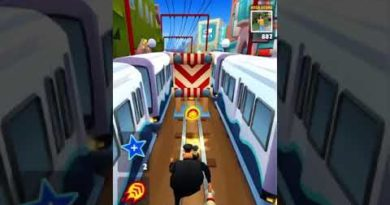 Subway surf but for some reason I'm fast as a hoverboard with speed up thing