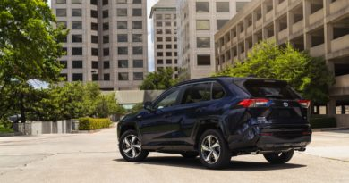 One of these 5 vehicles will be Green Car Reports' Best Car To Buy 2021