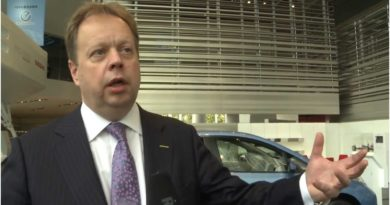 Former Aston Martin CEO Warns Local Battery Production Is Vital For The UK