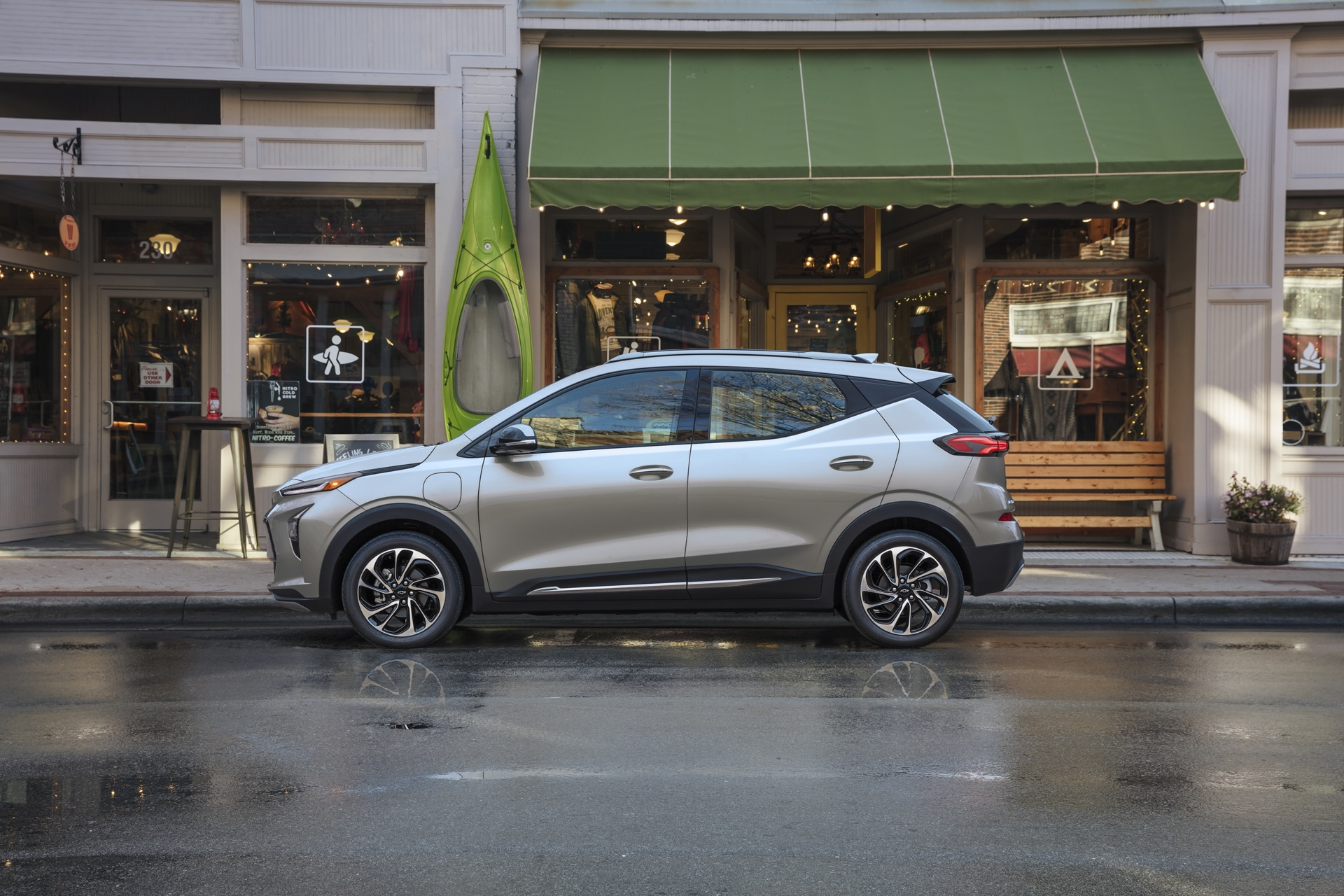 Cadillac Lyriq EV look, Tesla Bot, Chevy Bolt battery recall, electric camper: The Week in Reverse