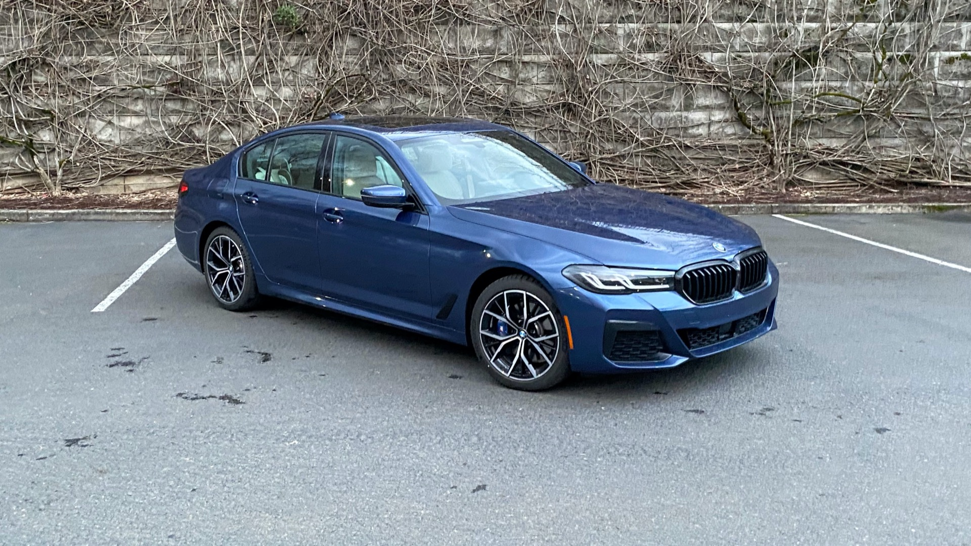 2021 BMW 530e earns its hybrid halo, misses the mark as a plug-in