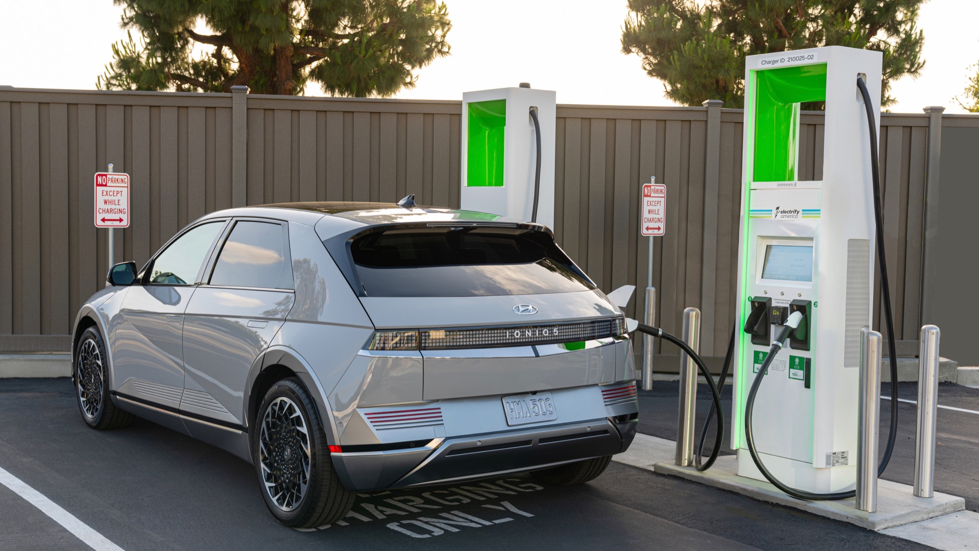 Electrify America connects Yosemite visitors with very fast EV charging